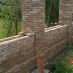 Muro di confine recuperato con mattoni antichi epoca da recupero materiali 13