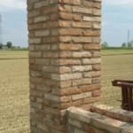 Muro di confine recuperato con mattoni antichi epoca da recupero materiali 16